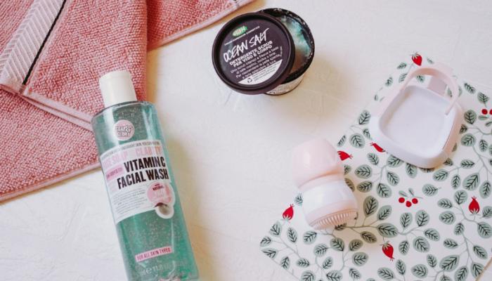 Escova Facial – Rotina limpeza e esfoliação.