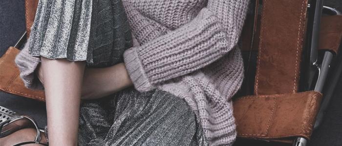 Aposte na metaliic skirt ou saia metálica