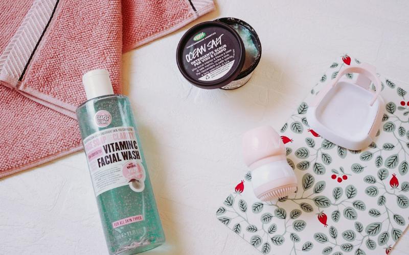 Escova Facial - Rotina de limpeza e esfoliação. - Foreo baratinha - Skin care
